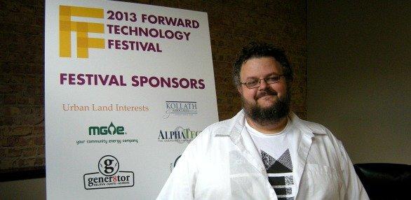 forwardtechnology081813.jpg