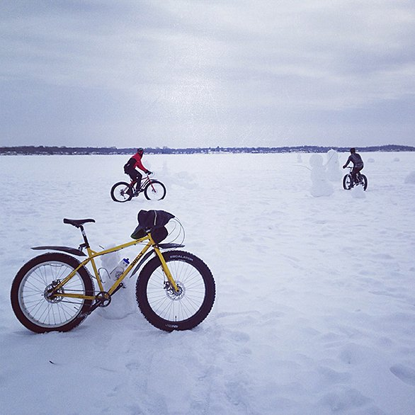 586RecreationSnowBikingb3904.jpg