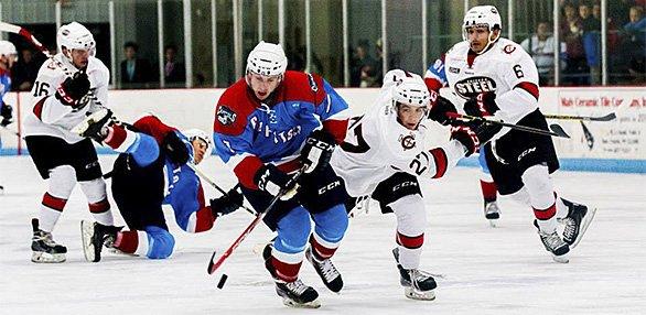 586x286Sports_MadisonCapitolsHockey2_3940.jpg