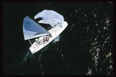 394yah_sailboat.jpg