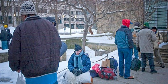 586x293News_HomelessCount_ChristopherGuess_03022015.jpg