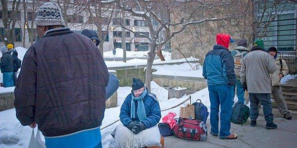 586x293News_HomelessCount_ChristopherGuess_03022015.jpg