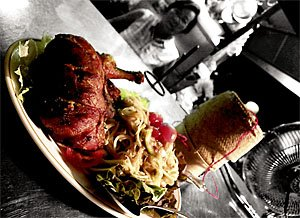300MFRestaurantsLaoLaanXang.jpg