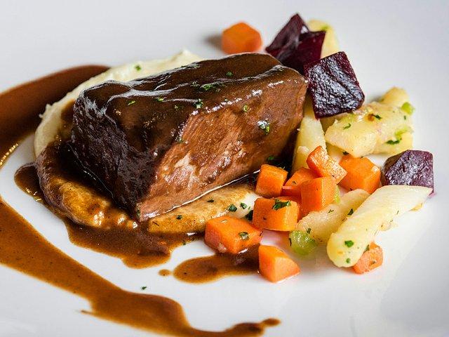Food-MadisonCollegeGourmetDiningRoomPotAuFeu-crPauliusMusteikis02192015.jpg