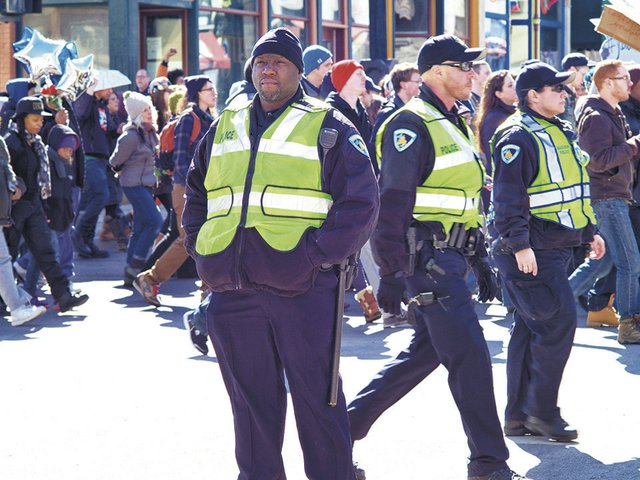 News-PoliceOfficer-crMichaelTSullivan03122015.jpg
