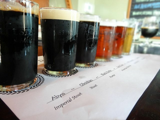 Beer-DeschutesTapTakeover2-crRobinShepard03302015.jpg