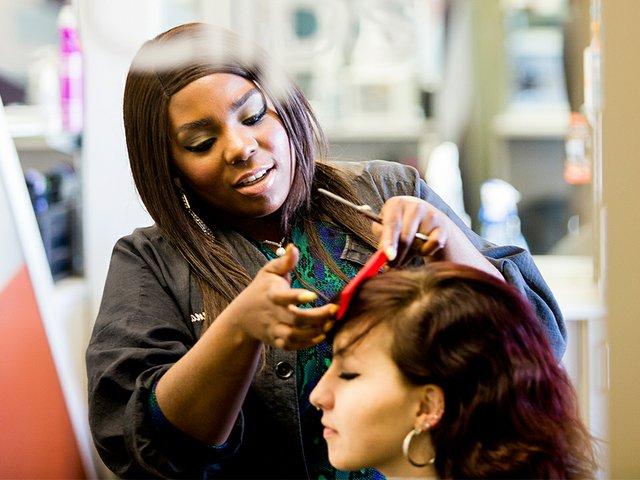 Snapshot-Kandis-Janay-Woods-HairStylist-crSharonVanorny-04232015.jpg
