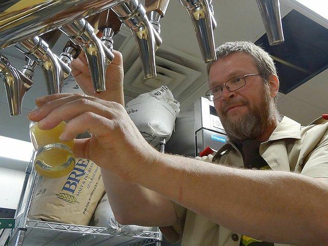 Beer-ParchedEagleBrewPub-crRobinShepard-04272015.jpg
