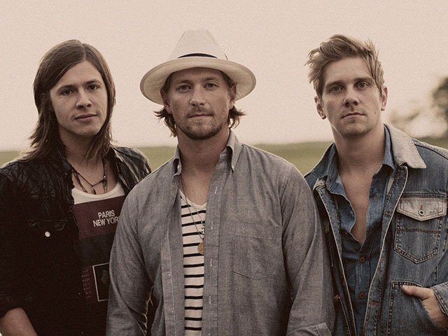 Picks-NEEDTOBREATHE-04-30-2015.jpg