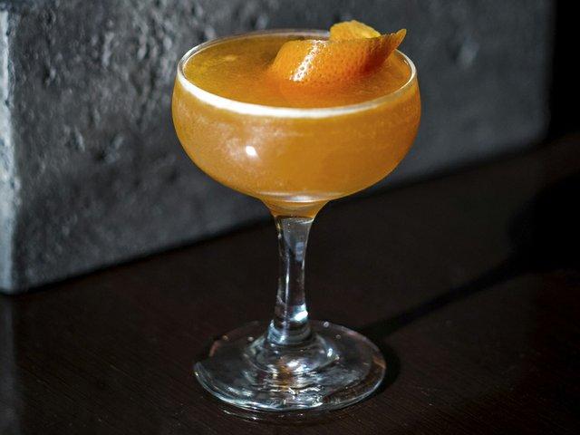 Cocktail-BuryTheHatchet-crPauliusMusteikis-04302015.jpg