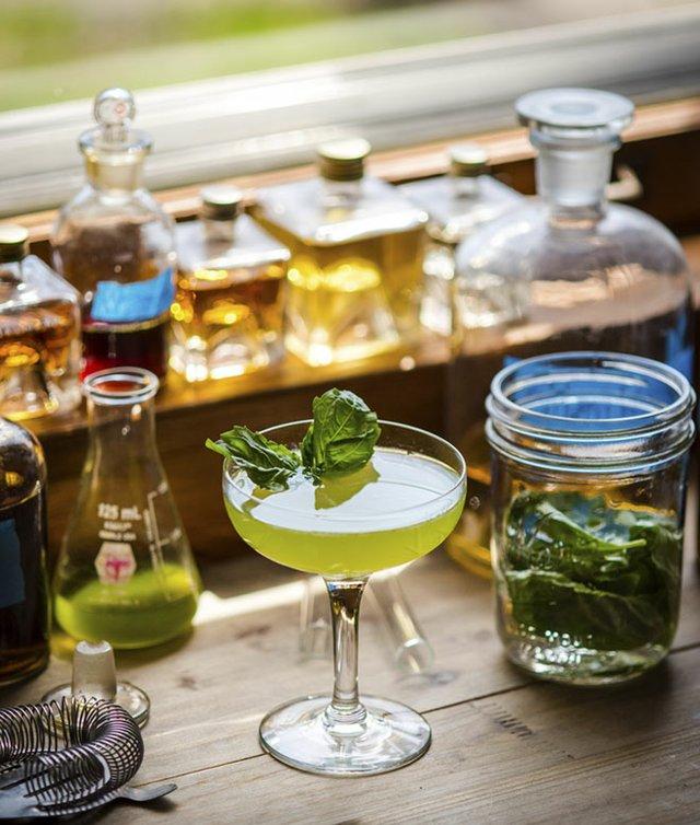 Abode-Lemon-Basiltini-Cocktail-cr-Paulius-Musteikis-04302015.jpg