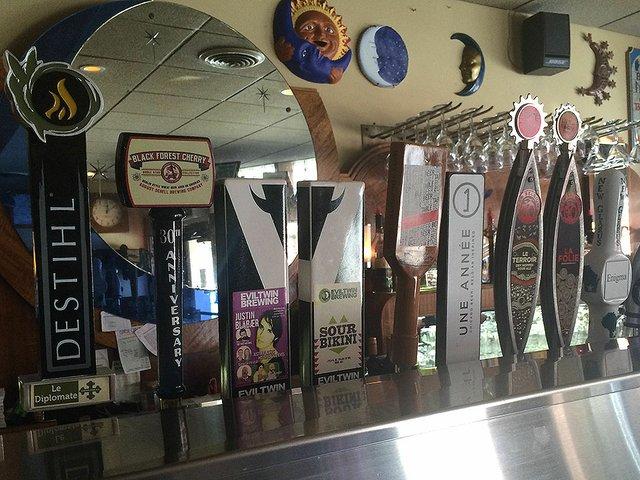 Beer-SourBeers-crKyleNabilcy-05032015.jpg