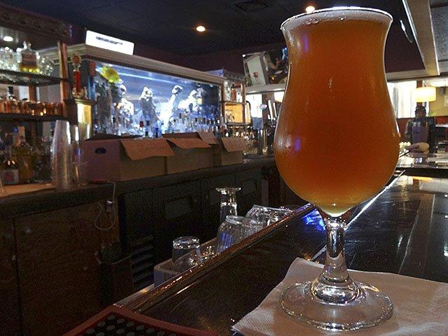 Beer-VintageLumberyardImperialIPA-crRobinShepard-05072015.jpg