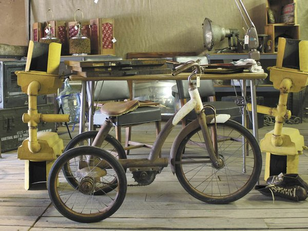 Emphasis-DeconstructionInc-RustyTricycle-crShelbyDeering-05072015.jpg