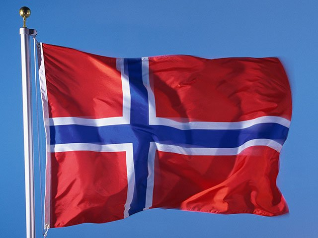 FOOD-NorwegianFlag-05142015.jpg