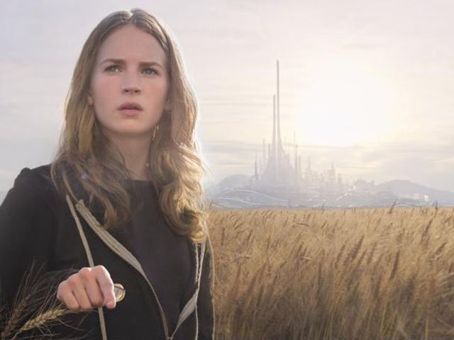 Screens-Tomorrowland-Britt-Robertson-05212015.jpg