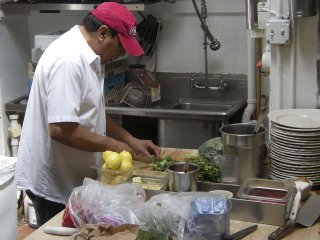 Food-Hot-Plates-Himal-Chuli-05212015.jpg