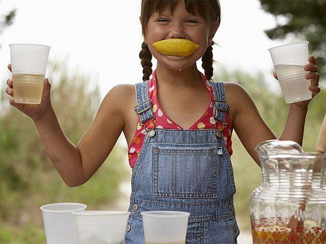 SummerTimes-Activities-Girl-Lemon-05212015.jpg