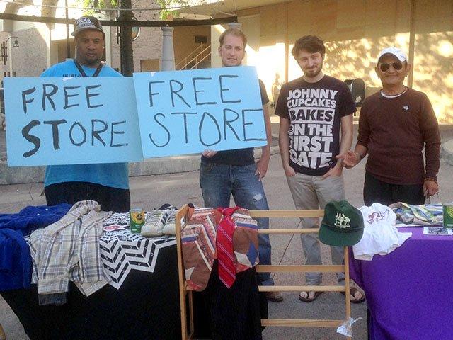 News-Free-Store-State-St-06052015.jpg