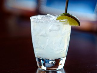 Cocktail-EdgewaterGrapefruitMargarita-crPauliusMusteikis-06182015.jpg