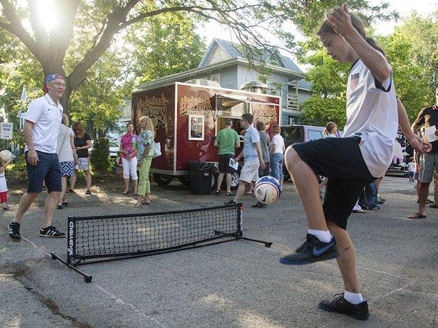sports-futpong-crKaitVosswinkel-07102015.jpg