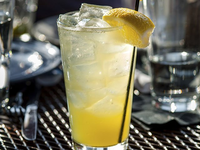 Cocktails-NattSpilHiT-crPauliusMusteikis-07232015.jpg