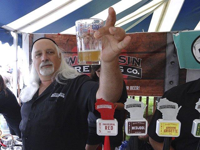 Beer-GreatTasteMidwest20153-crRobinShepard-08102015.jpg