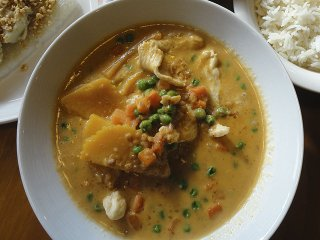Food-Curry-In-A-Box-4x3-crCarolynFath-08132015.jpg
