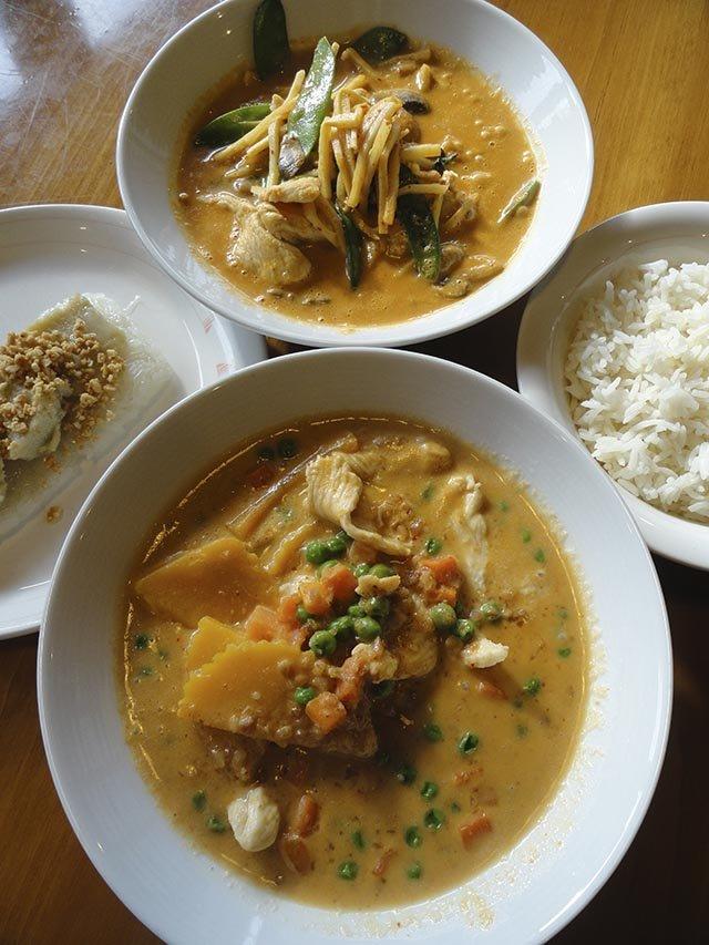 Food-Curry-In-A-Box-crCarolynFath-08132015.jpg