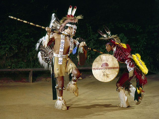 A Ho-Chunk celebration in song and dance - Isthmus ...