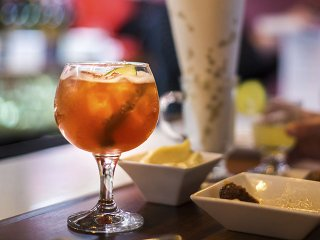 Cocktail-PigInAFurCoat-PimmsCup-crRatajBerard-08272015.jpg
