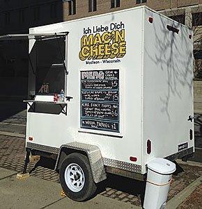 food-hot-plates-Ich-Liebe-Dich-Mac-n-Cheese-cart-10082015.jpg