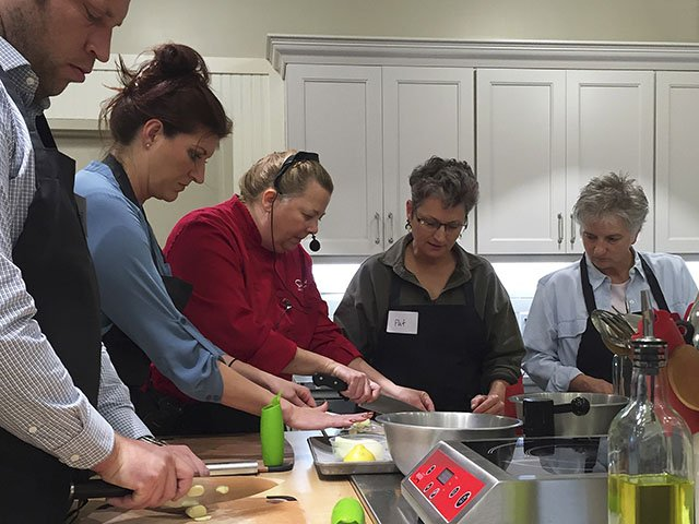 Food-CookingClass-crCarolynFath-10152015.jpg