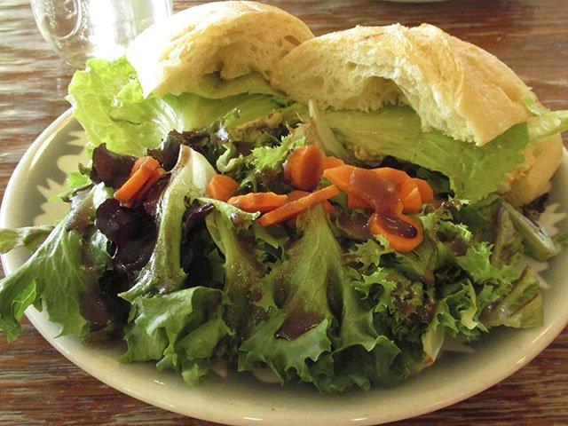 Food-LakesideStreetCoffeeHouse-SandwichSalad-crLindaFalkenstein-10152015.jpg