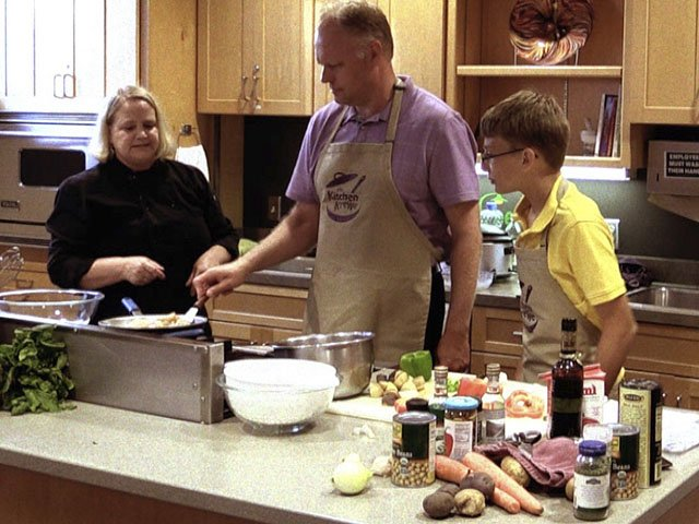 Food-KitchenKrewe2-10222015.jpg