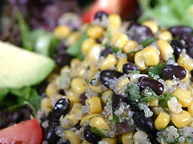 food-eats-hotplates-WearyTraveler-Salad-10292015.jpg