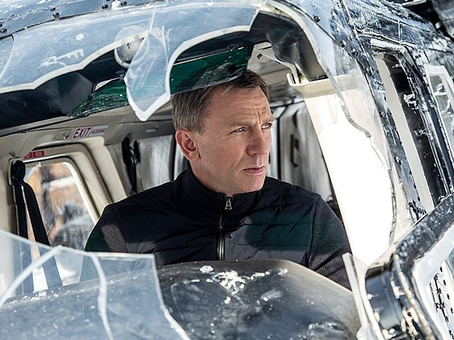 screens-Spectre-11052015.jpg