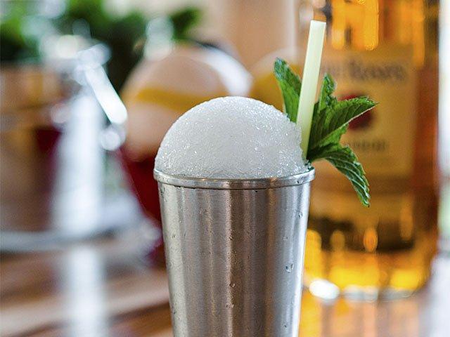 Cocktail-Julep-HouseJulep-crPauliusMusteikis-11052015.jpg