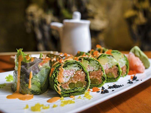 food-Takara88-roll-crPauliusMusteikis-11122015.jpg