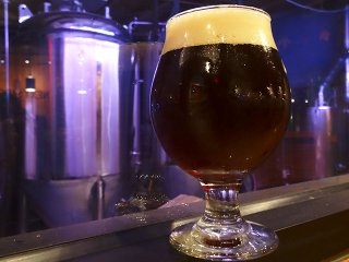 Beer-NextDoorPlumptuousScotchAle-crRobinShepard-11192015.jpg