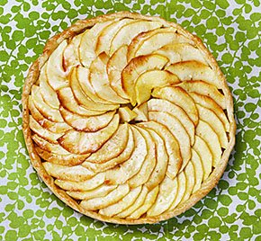 Food-LittleFrenchBakery-tart-aux-pomme-apple-crSusanHolding-11262015.jpg