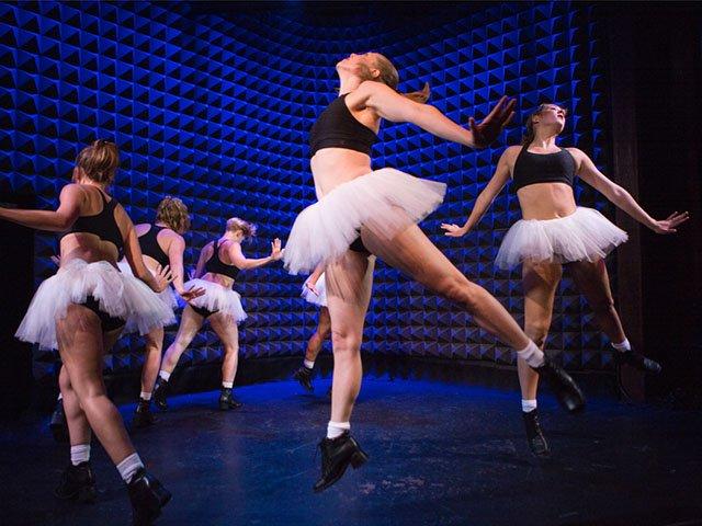 Dance-LiChiaoPing-GoRedux-crYiChunWu-12112015.jpg