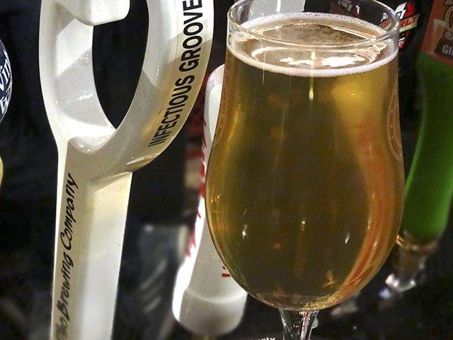 Beer-OsoInfectiousGroove-crRobinShepard-12172015.jpg