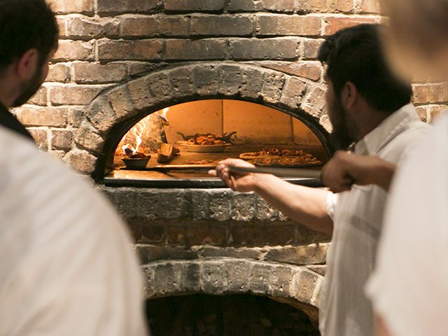 Food-Small-Plates-Pizza-al-forno-2-crJentriColello-MACN2016.jpg