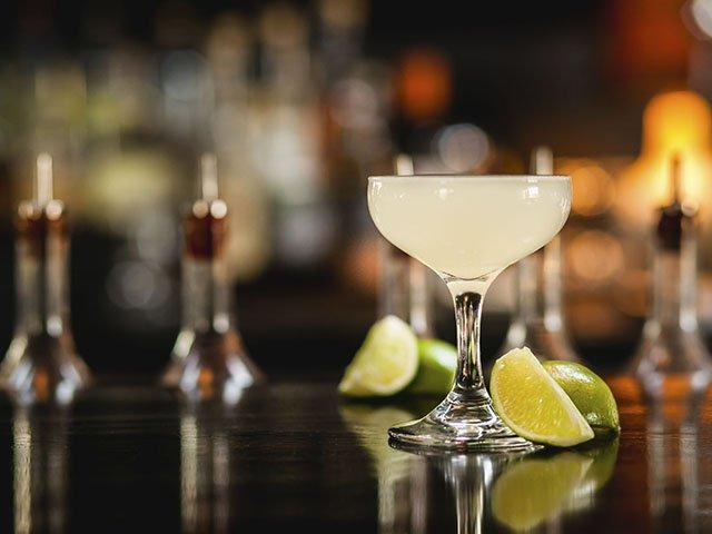 Cocktail-Gibs-Classic-Gimlet-crLauraZastrow-03172016.jpg