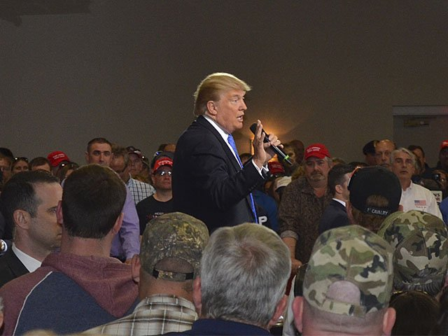 News-TrumpRally-Trump2-03302016.jpg