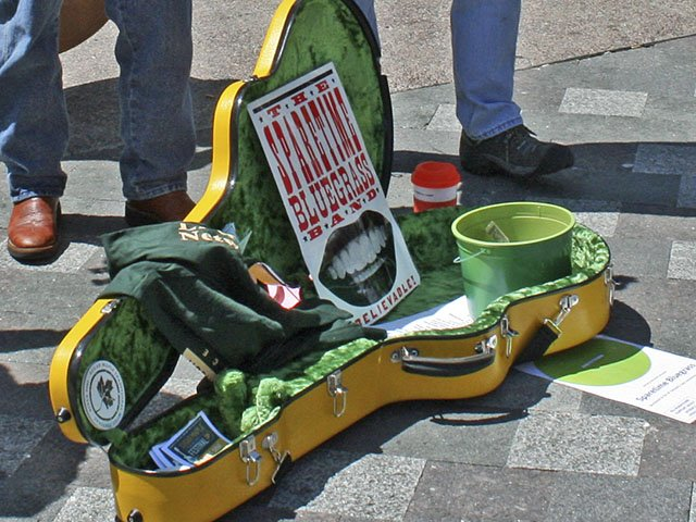 What-To-Do-Busking-For-Books-crKerryGHill-04282016.jpeg