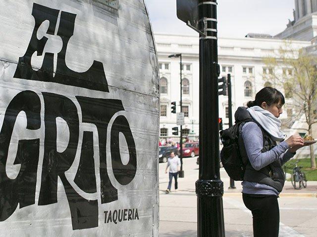 Food-El-Grito-Taqueria-Food-Cart-TEASER-crJentriColello-04282016.jpg