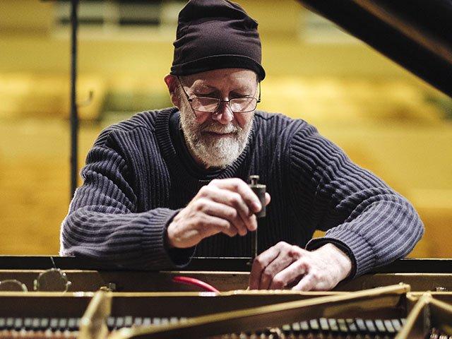 Snapshot-Robert-Hohf-Piano-crPauliusMusteikis-04282016.jpg