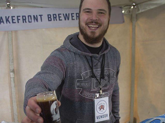 MCBW-Cask-Ale-Fest-Lakefront-Brewery-crScottMauer-05022016.jpg